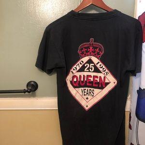 Queens 90's shirt